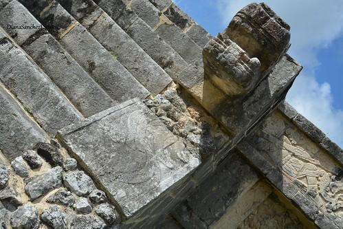 Z.A Chichen Itza, Escalinata de la plataforma de las Aguilas y los Jaguares