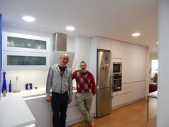 Luis y Carlos en su cocina