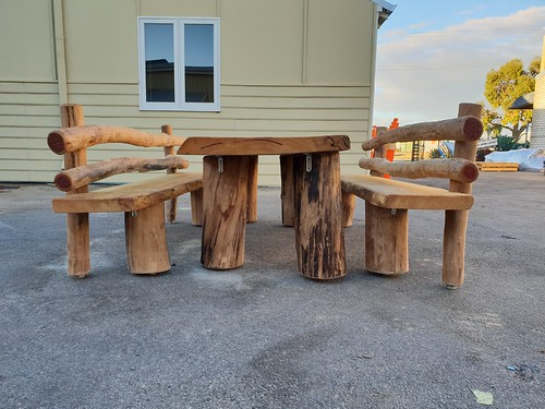 Marri table and bench seats 1