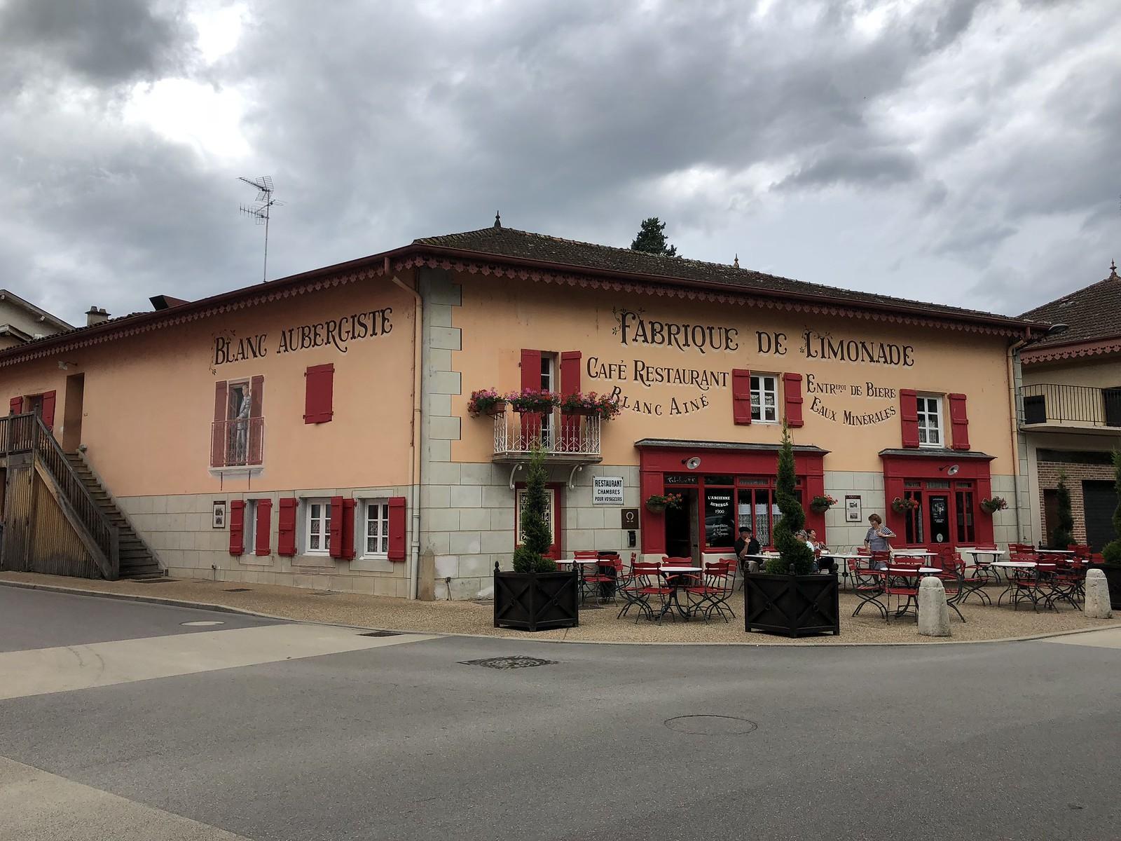 Itä-Ranska, Vonnas | Village Blanc, Georges Blancin kylä