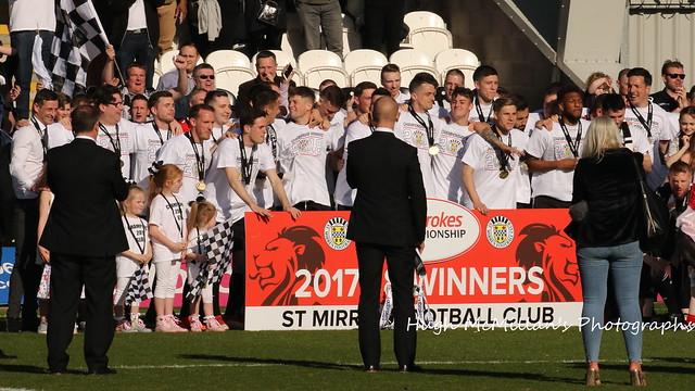 St Mirren celebrate winning the Ladbrokes Championship.