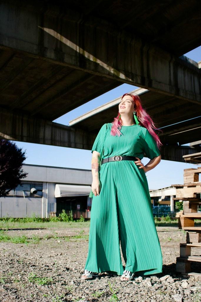 Outfit plus size tuta monki verde e blaze bianco (5)