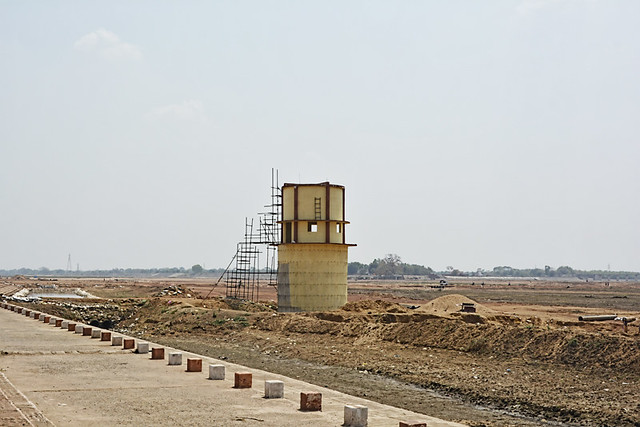 Intake well under construction at Rajim near Rajim-Nawapara anicut.