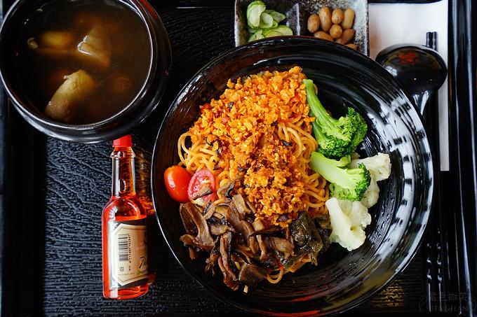 素香菇酥醬拌麵2