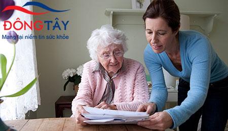 Chăm sóc người bệnh Parkinson sẽ không khó nếu bạn có kiến thức về bệnh