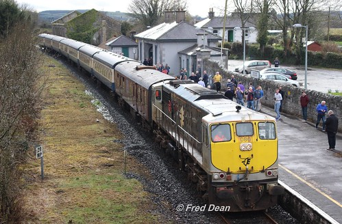 Irish Rail 086 in Cloughjordan.