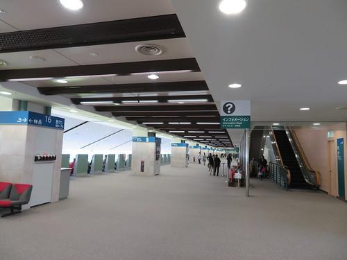 福島競馬場の4階指定席エリア