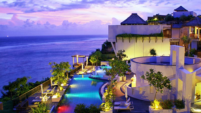 Samabe Bali Suites & Villas.