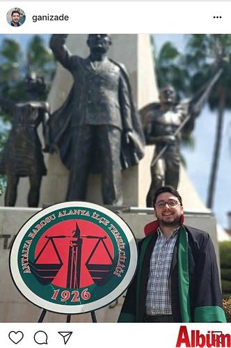 Avukat Alper Kan, Atatürk Anıtı'ndan yaptığı bu paylaşımla meslektaşlarının Avukatlar Günü'nü kutladı.