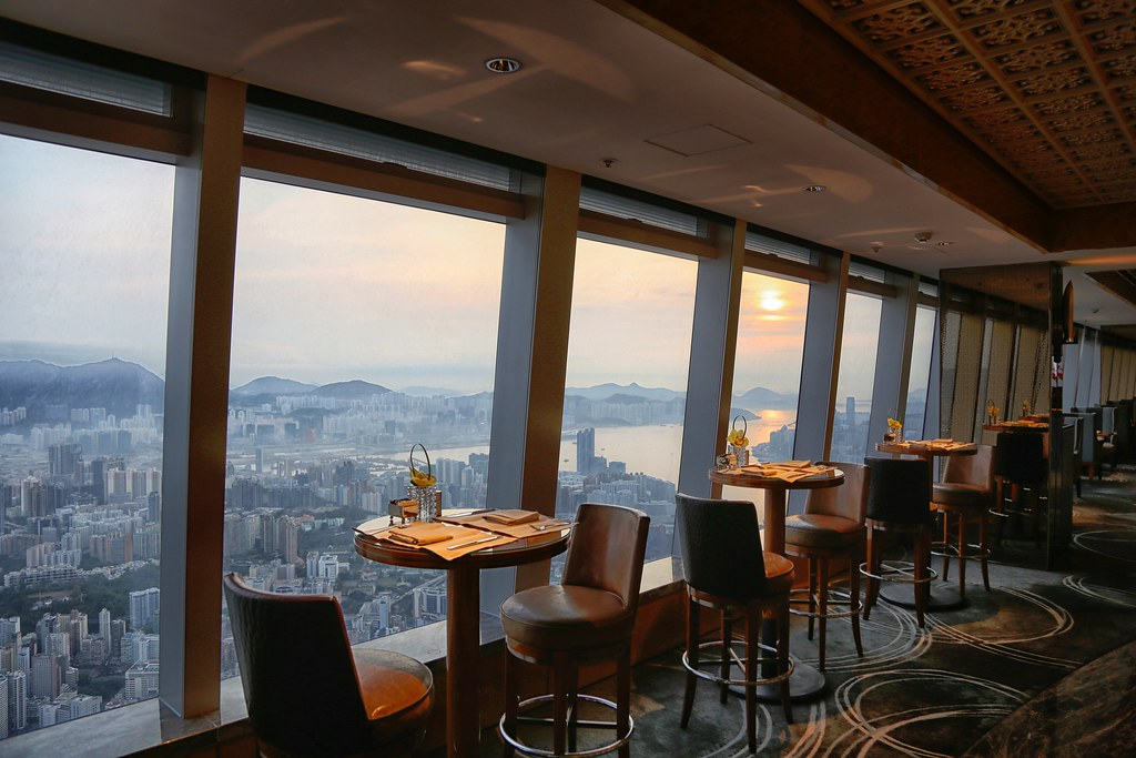 Ritz-Carlton Hong Kong Club Lounge 10