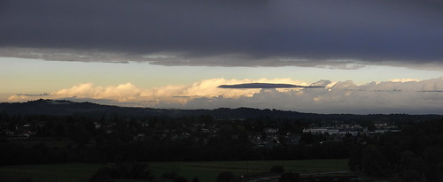 20120926 28 025 Jakobus Oloron Pyrenäen Wolken Sonne_K_P01