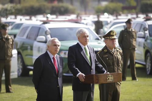 Ministro Chadwick participa en entrega de vehículos de Carabineros. 07.03.18