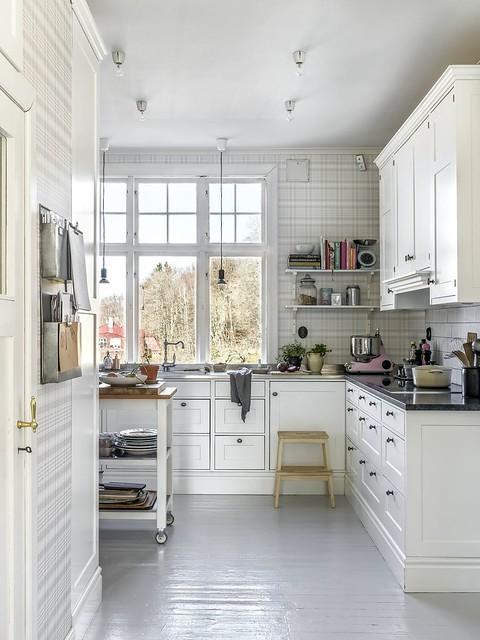 04 kitchen Glenchecktapeten Rut de Sandberg cocina diseñada y construida por Interhem