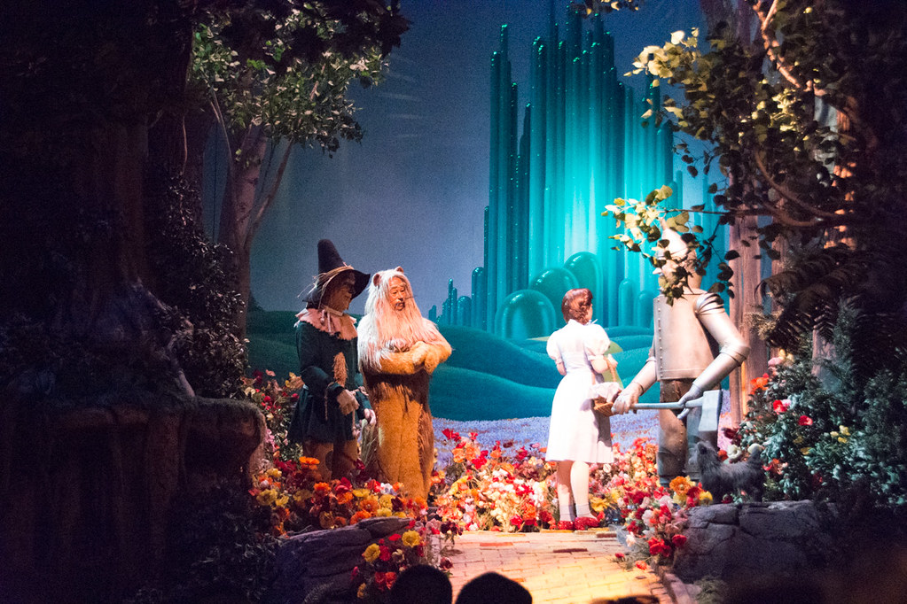 Wizard of Oz display on Great American Movie Ride