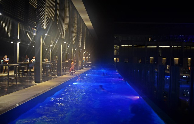 Bai Hotel Cebu - Pool Bar at Night