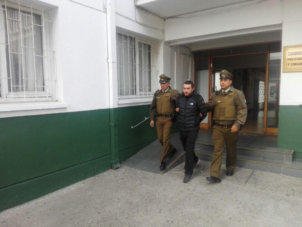 SAN JAVIER; Dos Personas Detenidas por Robo de Cigarrillos