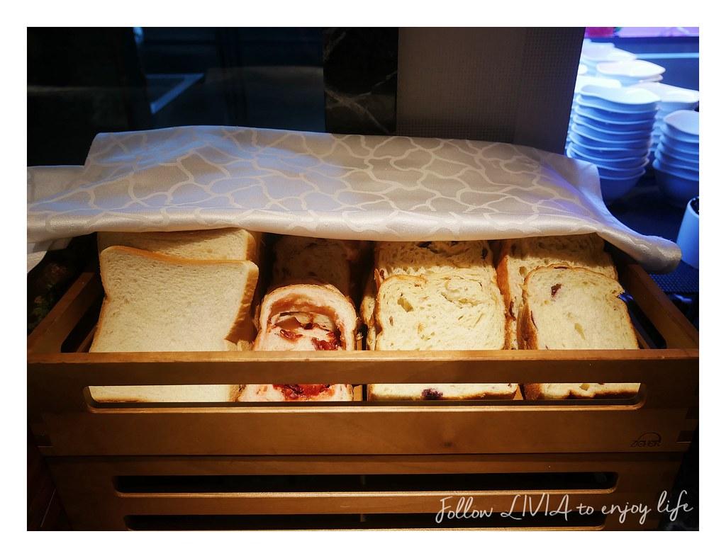 Sunny buffet (105)