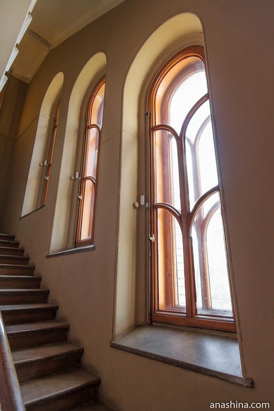 Лестница на третий этаж, особняк Рябушинского, Москва