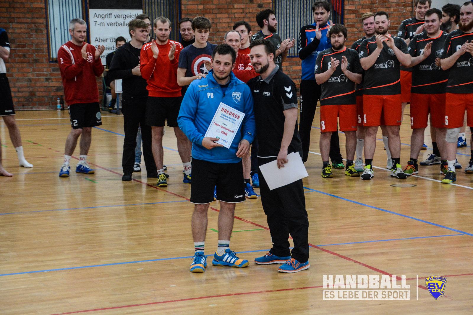 20180415 Laager SV 03 Handball Männer - Bezirkpokal - 4 - Siegerehrung (7).jpg