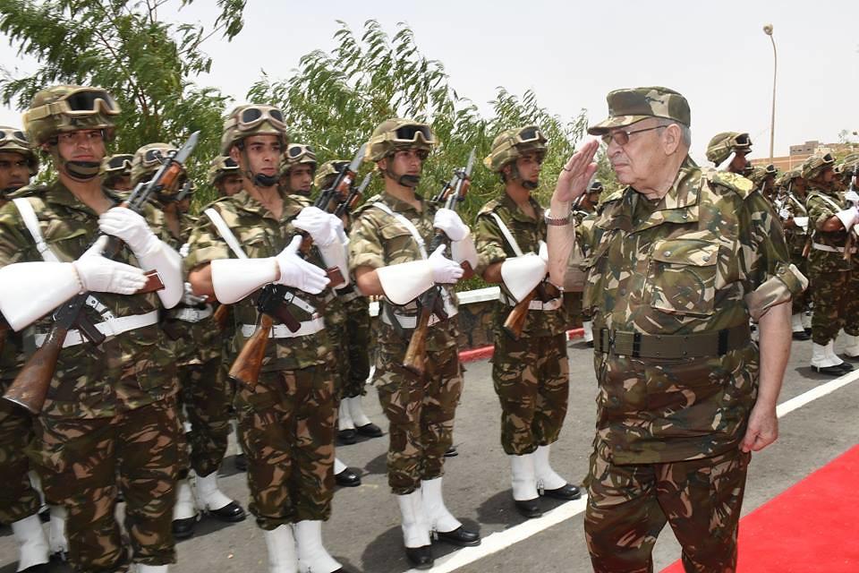 الجزائر : صلاحيات نائب وزير الدفاع الوطني - صفحة 21 41485004555_1c6709ffe1_b