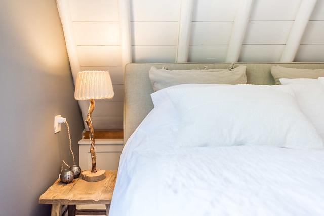 Slaapkamer neutrale tinten gebreid lampenkapje