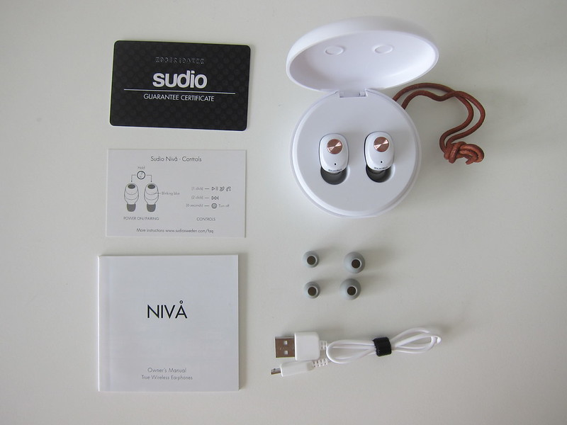 Sudio Niva - White - Box Contents