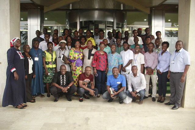 Group photograph of members of the Smallholder Poultry Forum (photo credit: ACGG Nigeria)