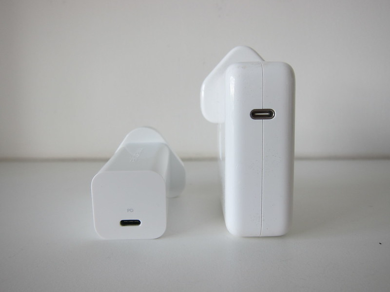 Innergie 60C USB-C Power Adapter vs Apple 61W USB-C Power Adapter