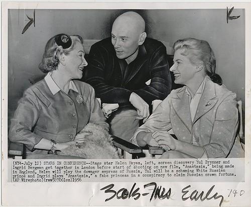 Anastasia - 1956 - Backstage - Helen Hayes, Yul Brynner and Ingrid Bergman