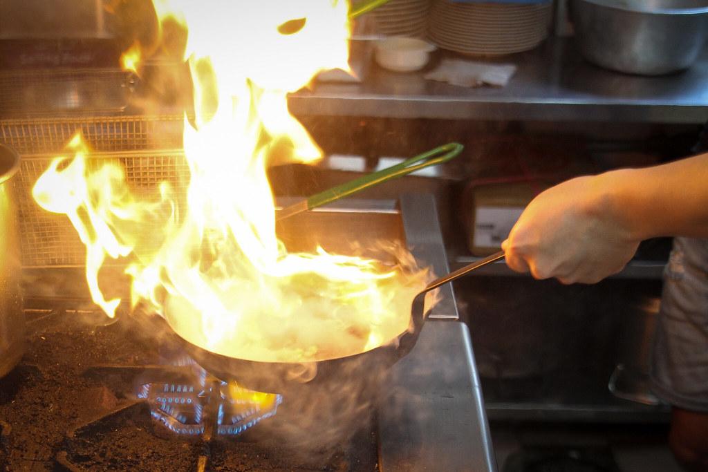 吃 Western Flame Pasta