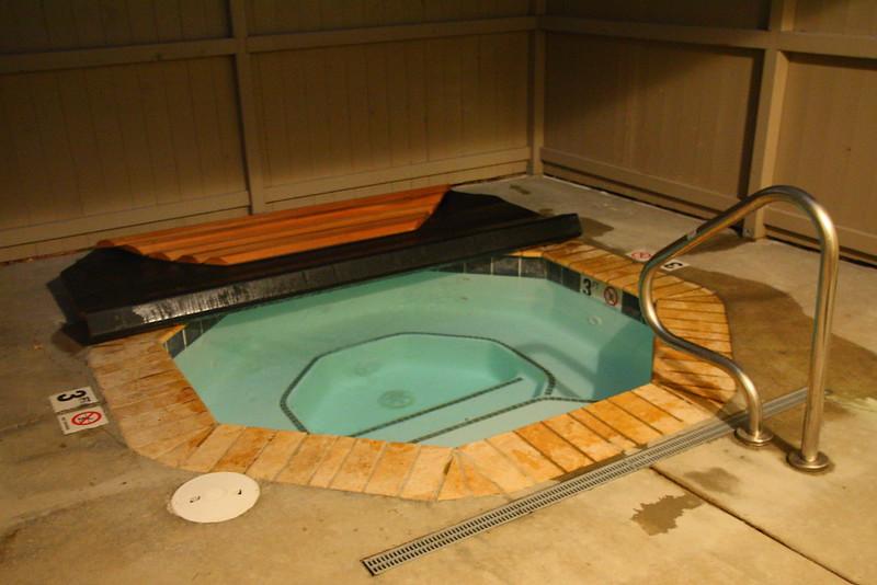 IMG_0341 Hot Tub, Mammoth Hot Springs Hotel