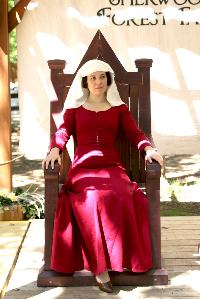 Mid 14th Century Kirtle and Veil