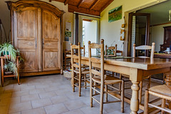 24-Salle à manger avec armoire - Photo of Coutures