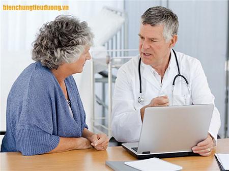 Hãy thường xuyên trò chuyện với bác sỹ điều trị