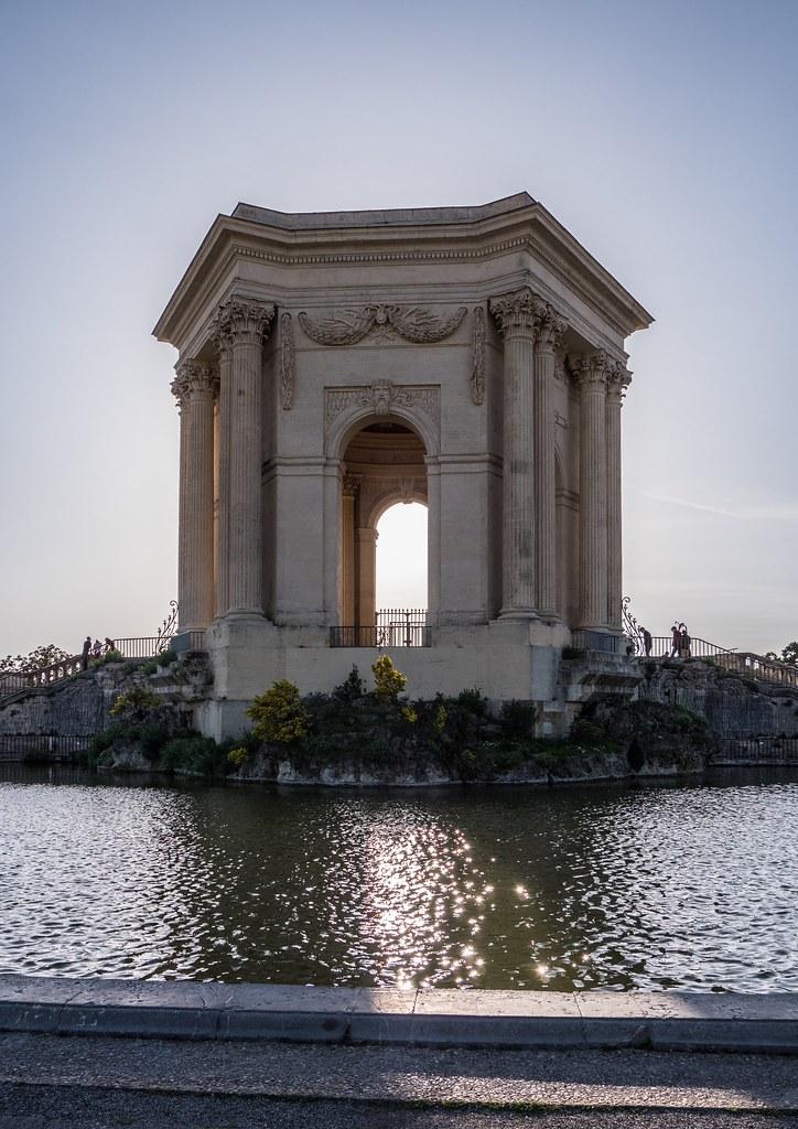 Montpellier : ville d'ombre et de lumière... 26789549877_af1278df22_b