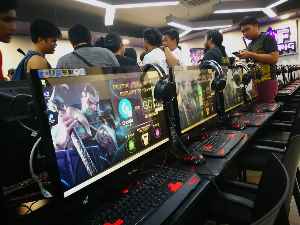 World of Fun's First i-Gaming Café in Cebu - The Aldrincore