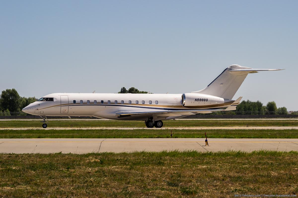 Bombardier BD-700-1A10 Global 6000 N68889