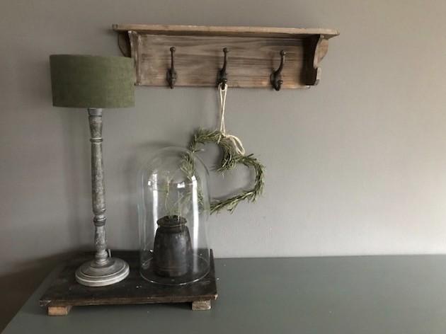 Regaal, houten lamp, snijplank
