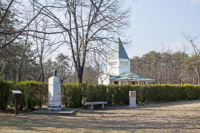 Tempio votivo della Madonnina del Piave, Isola dei morti