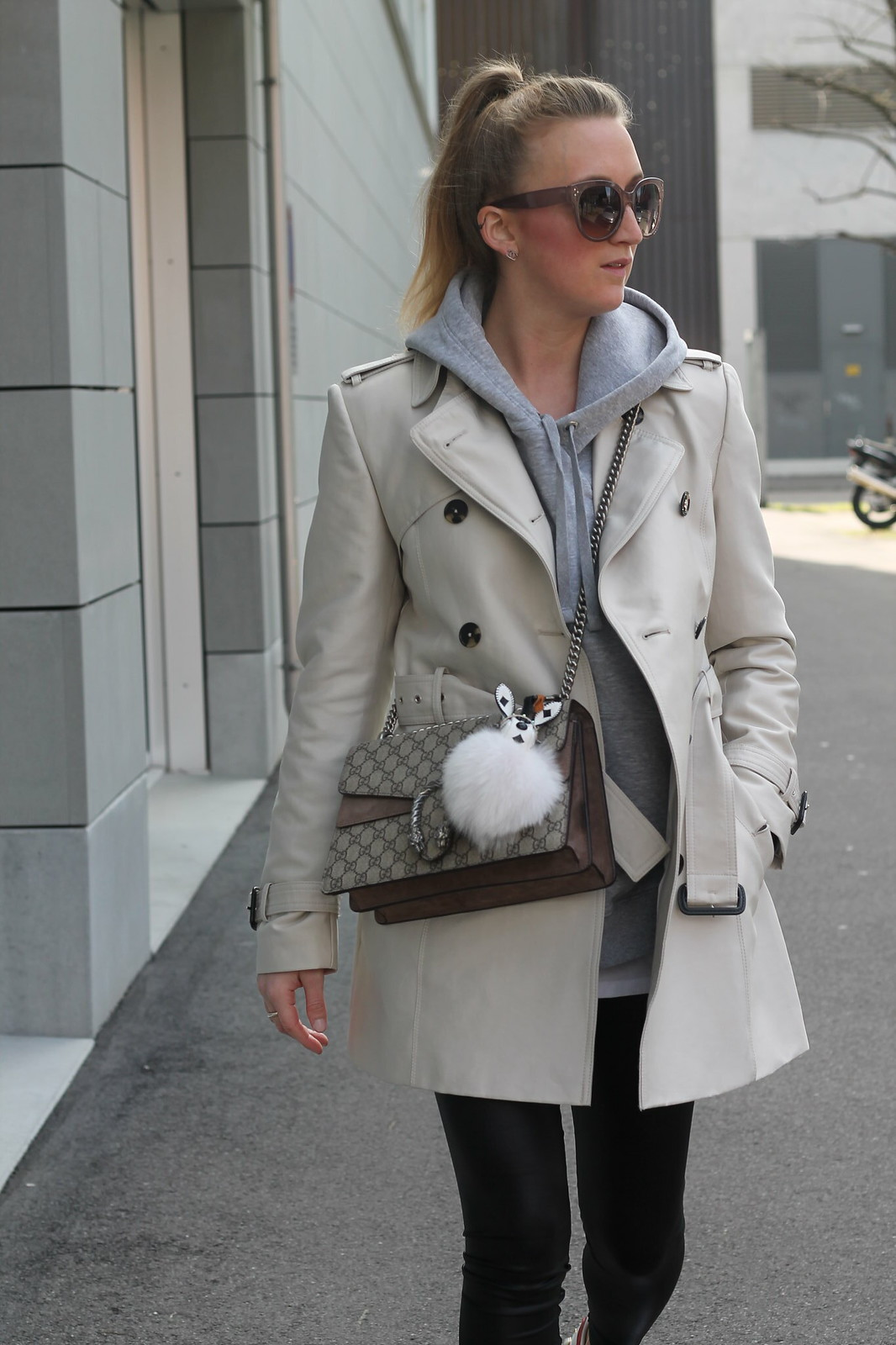 trenchcoat-whole-outfit-details-wiebkembg