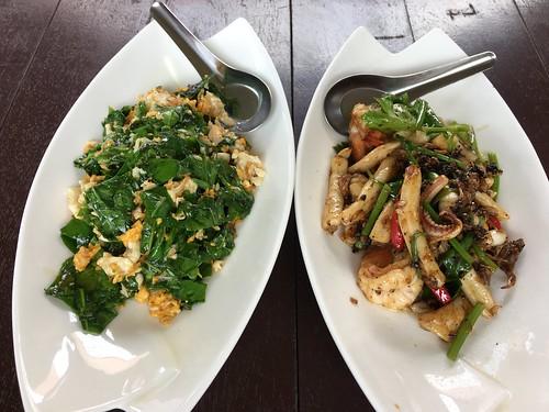 サムイ島 着陸寸前飛行機ちら見ビュー タイ料理レストラン-Khao Hom レストラン(バンラック)