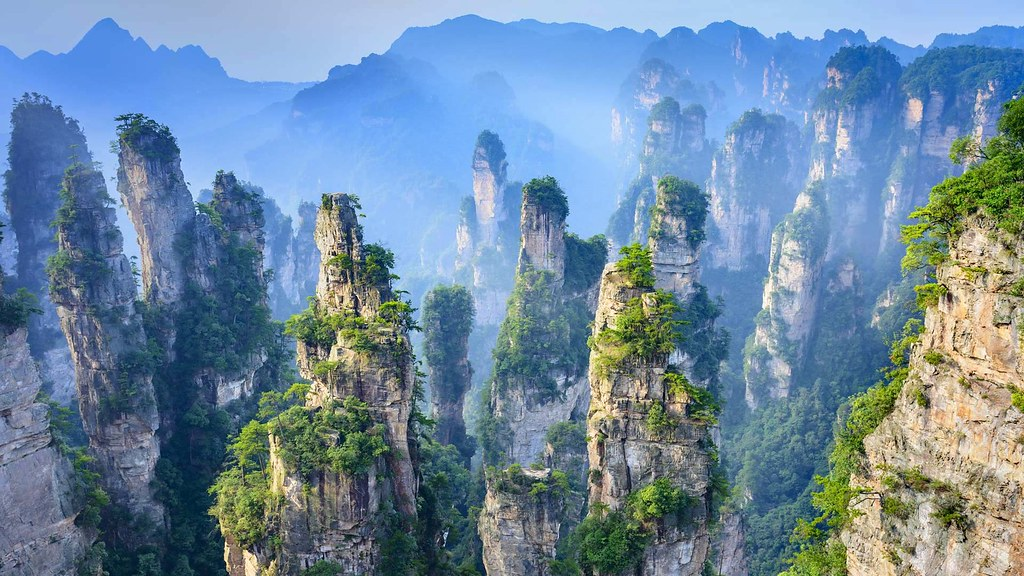 Zhangjiajie National Forest Park in Hunan Province, China (© aphotostory/Shutterstock) © (Bing United States)