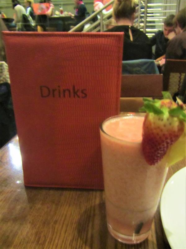 glasgow-ecosse-hard-rock-cafe-pub-restaurant-cocktail-fraise-thecityandbeauty.wordpress.com-blog-voyage-IMG_0097 (2)