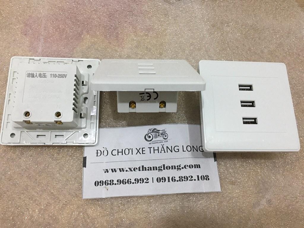 Mặt trước, bên, sau của sạc USB âm tường 3 cổng