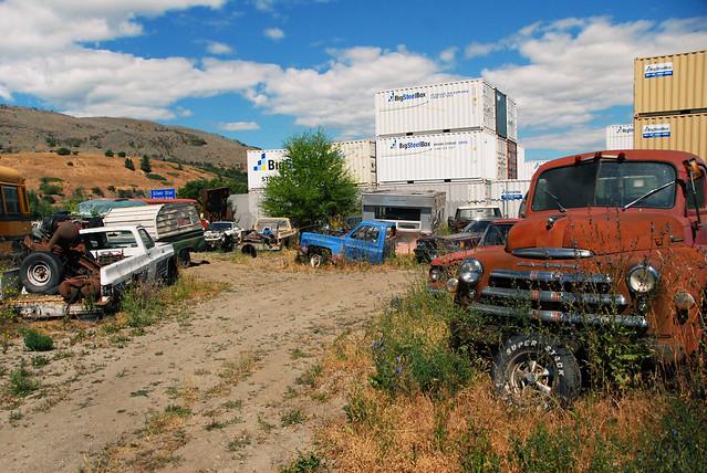 car junk yard (26)