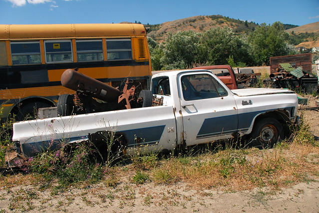 car junk yard (23)
