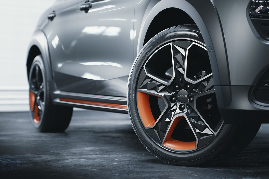lynk-co-02-unveiled-17