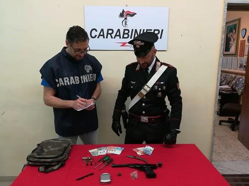 carabinieri arrestano 17enne
