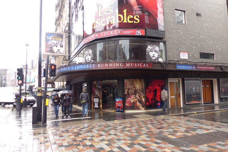 london photo les miserables