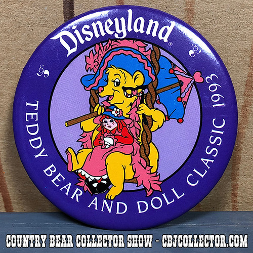 1993 Disneyland Teddy Bear and Doll Classic Button - Country Bear Collector Show #158